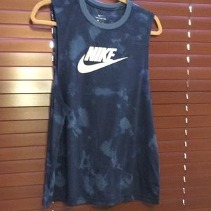 Brand new Nike tank